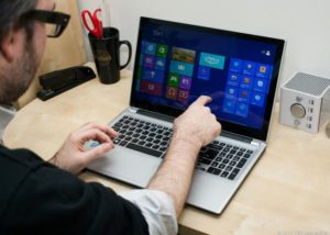 touch_screen_laptop_-_cnet